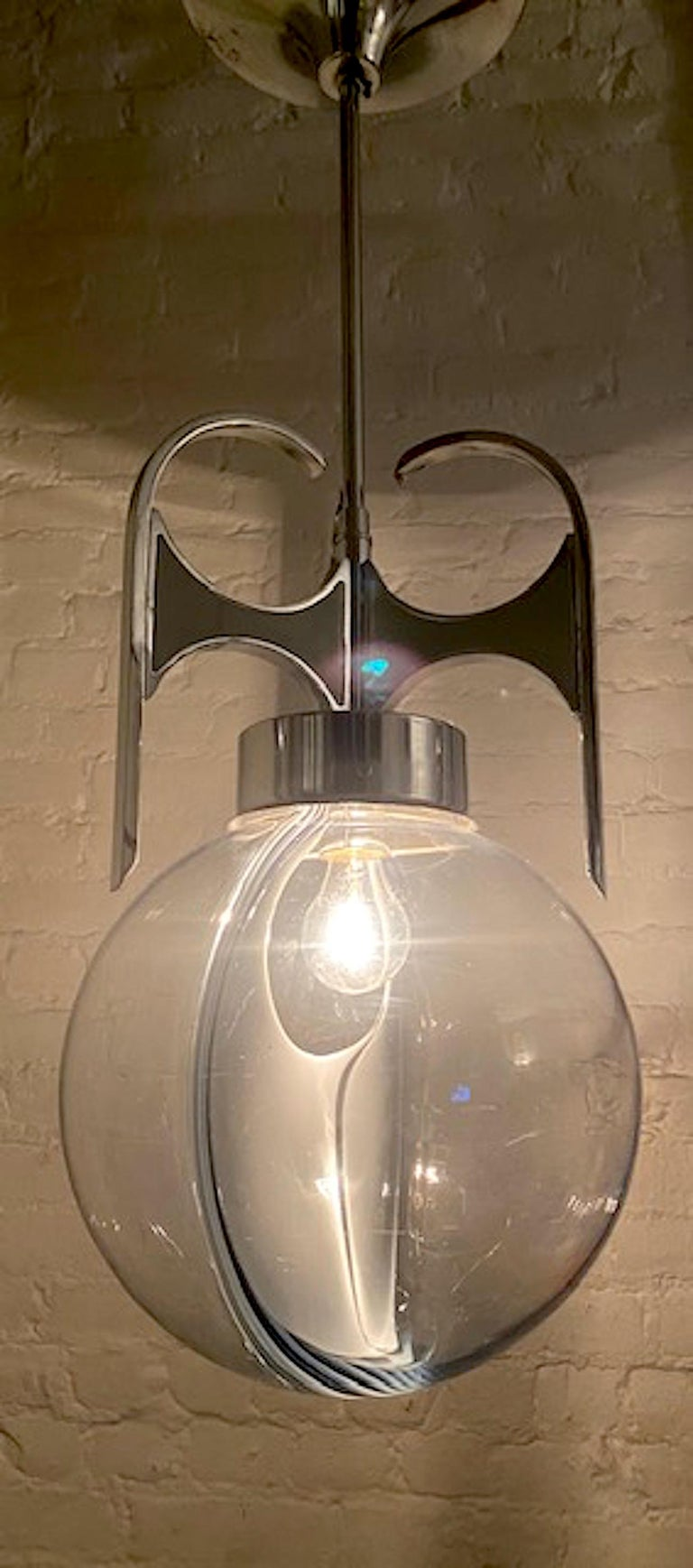 Italian 1970s Chrome with Clear and White Glass Globe Pendant Light For Sale 3