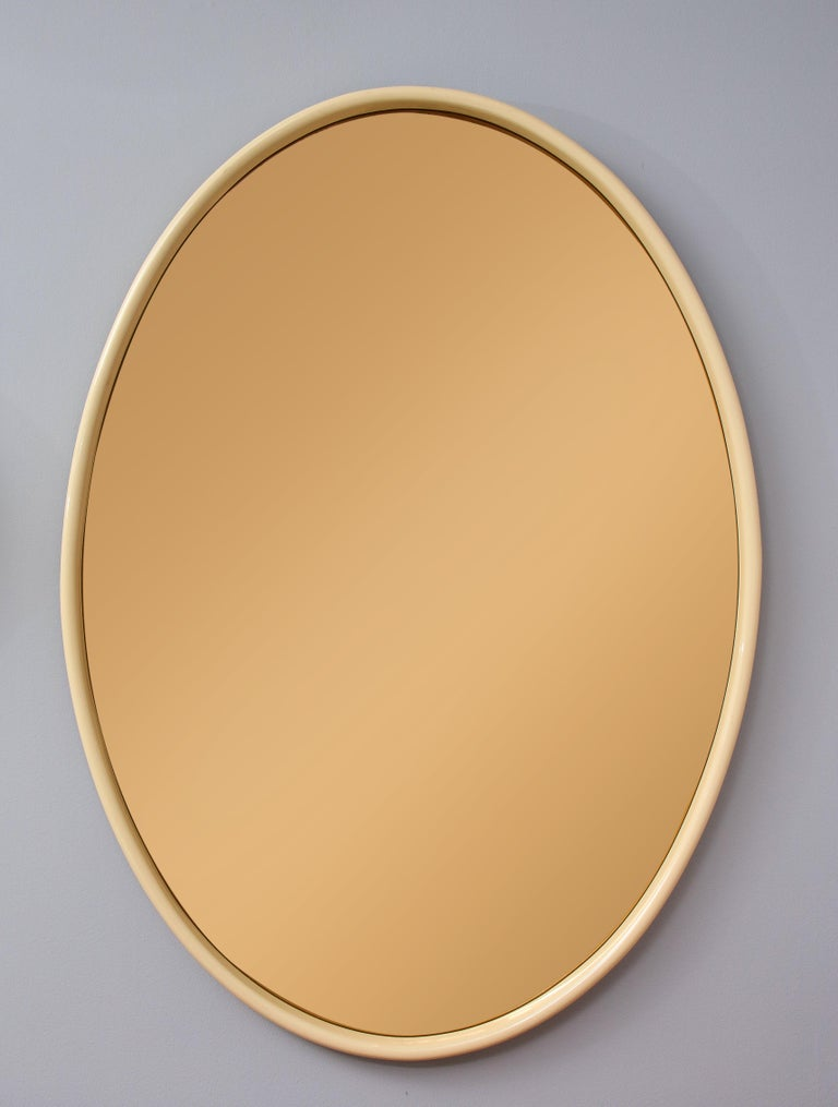 Italian 1970s Lacquered and Rose Gold Glass Oval Mirror For Sale 2