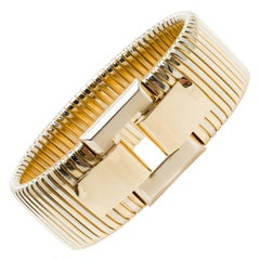 Italian 1970s Two-Toned Tubogas Buckle Bracelet in 18 Karat