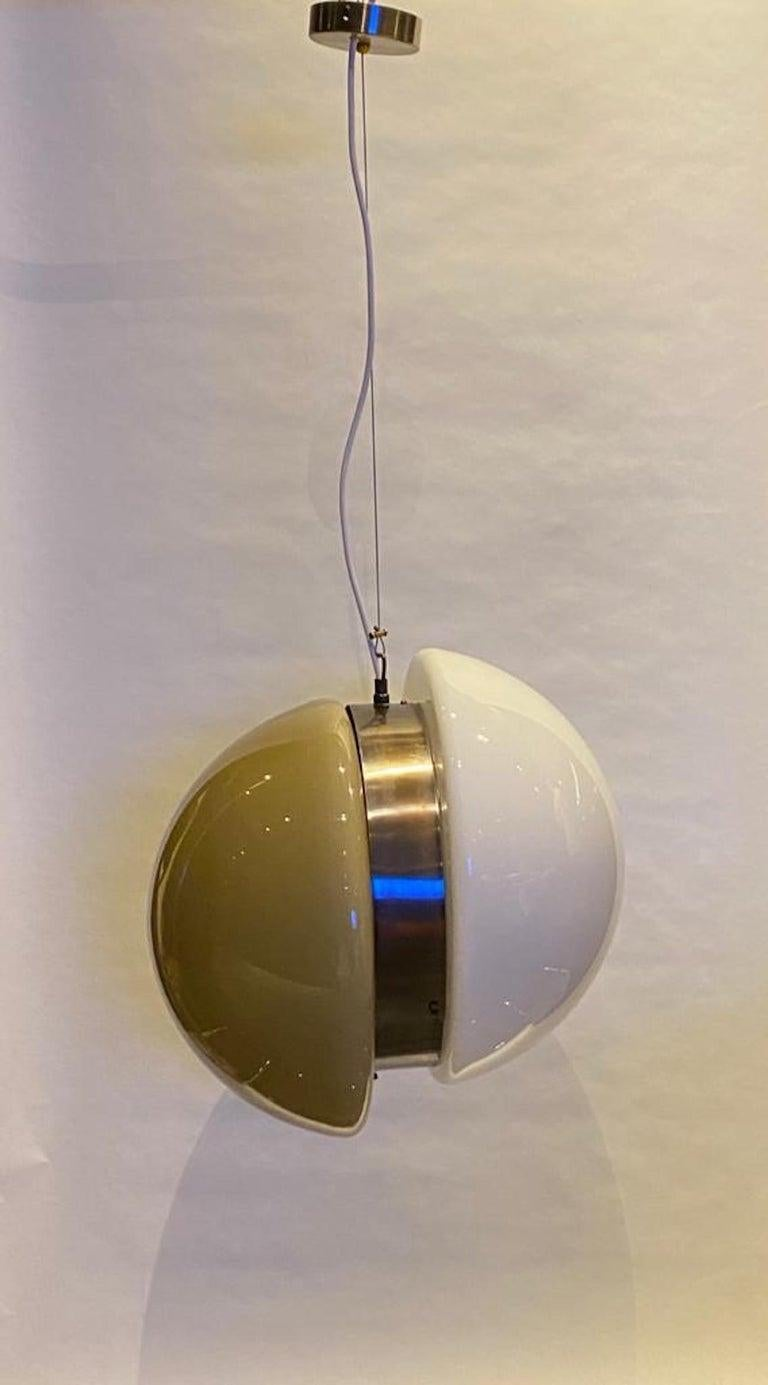 Italian 1970s White and Beige Blown Glass Pendant Light For Sale 10