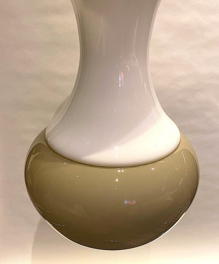 Murano Glass Italian 1970s White and Beige Blown Glass Pendant Light For Sale