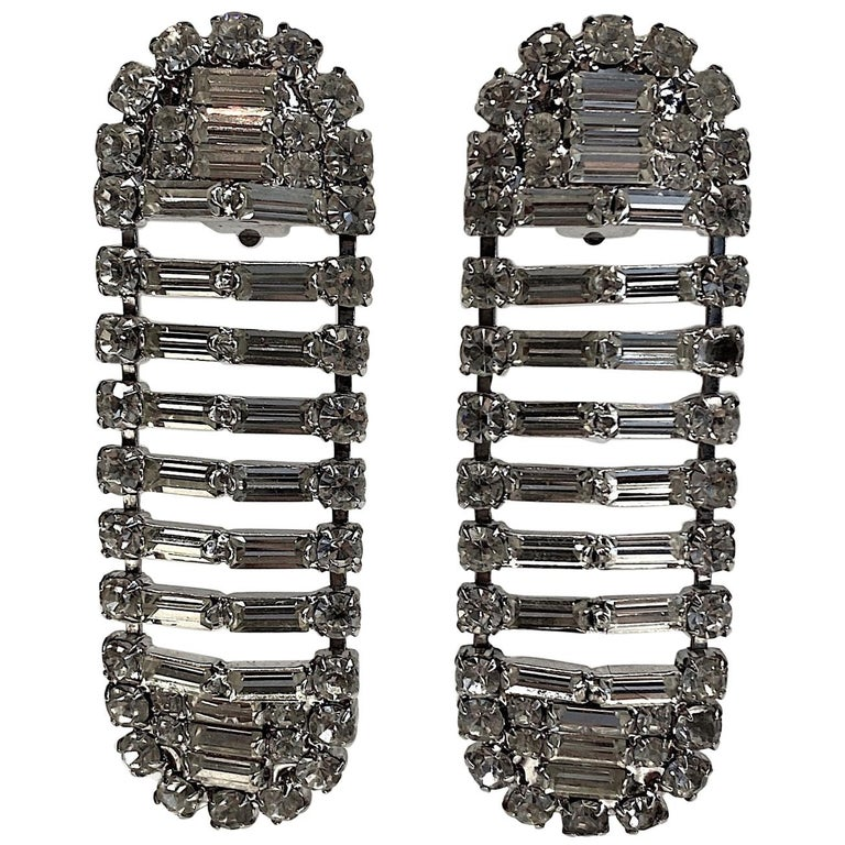 Italian 1980s Rhodium and Rhinestone Oblong Earrings For Sale