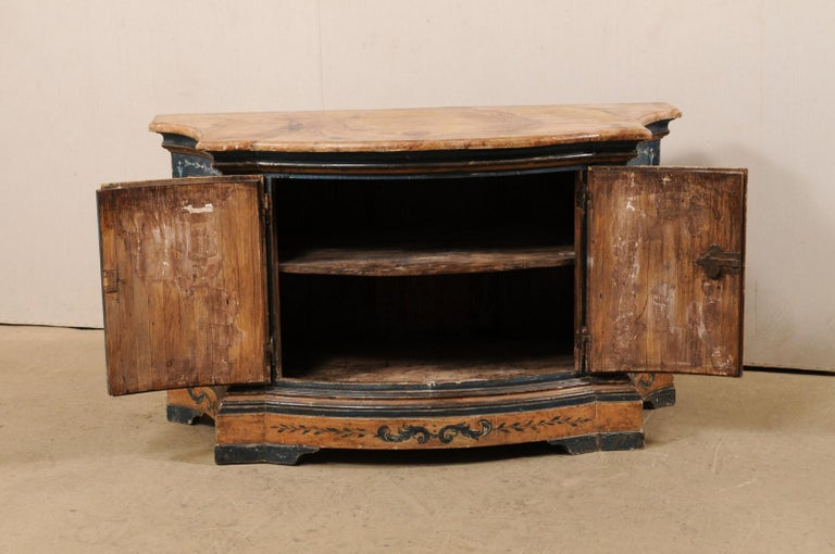 Italian Buffet Console with Curvy Shape and Ornate Rococo Painted Finish For Sale 1