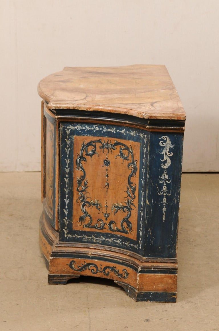 Italian Buffet Console with Curvy Shape and Ornate Rococo Painted Finish For Sale 4