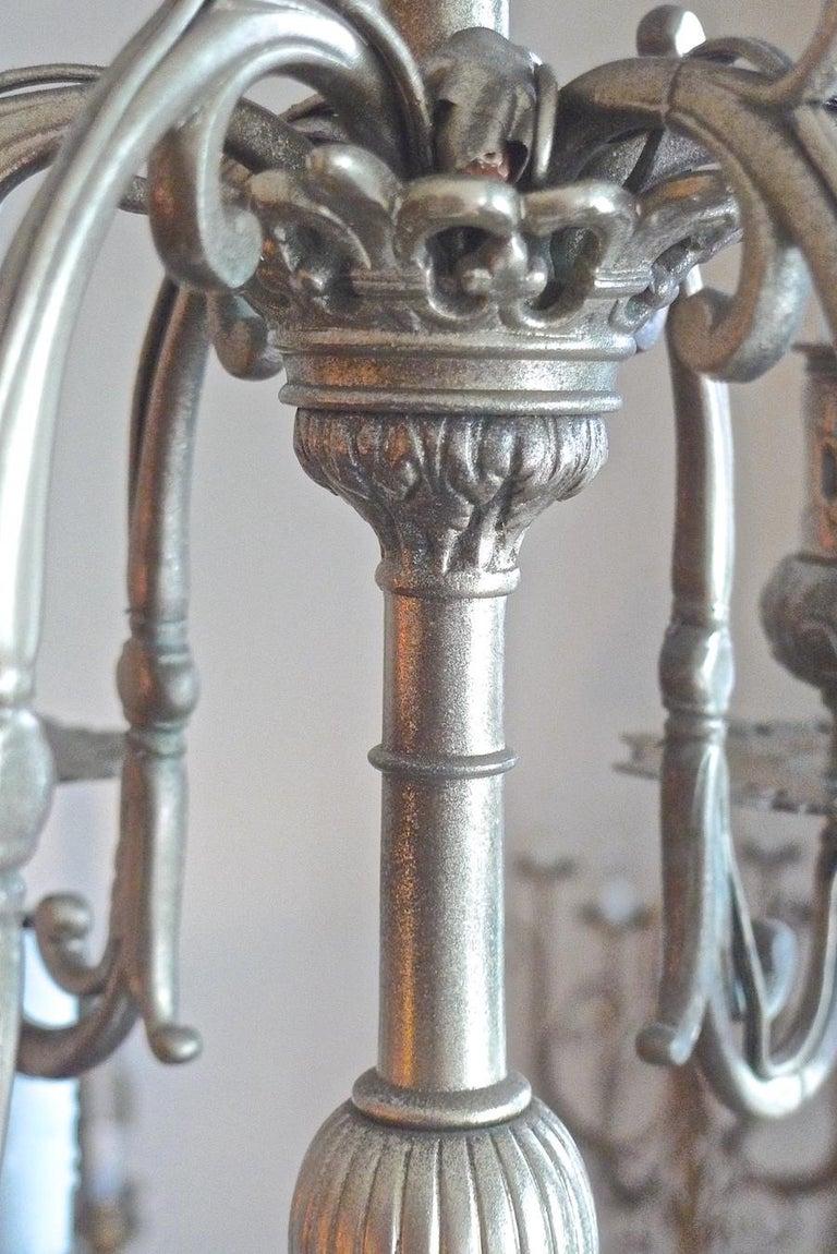 Italian 19th Century Bronze Chandelier with Twelve Lights For Sale 7