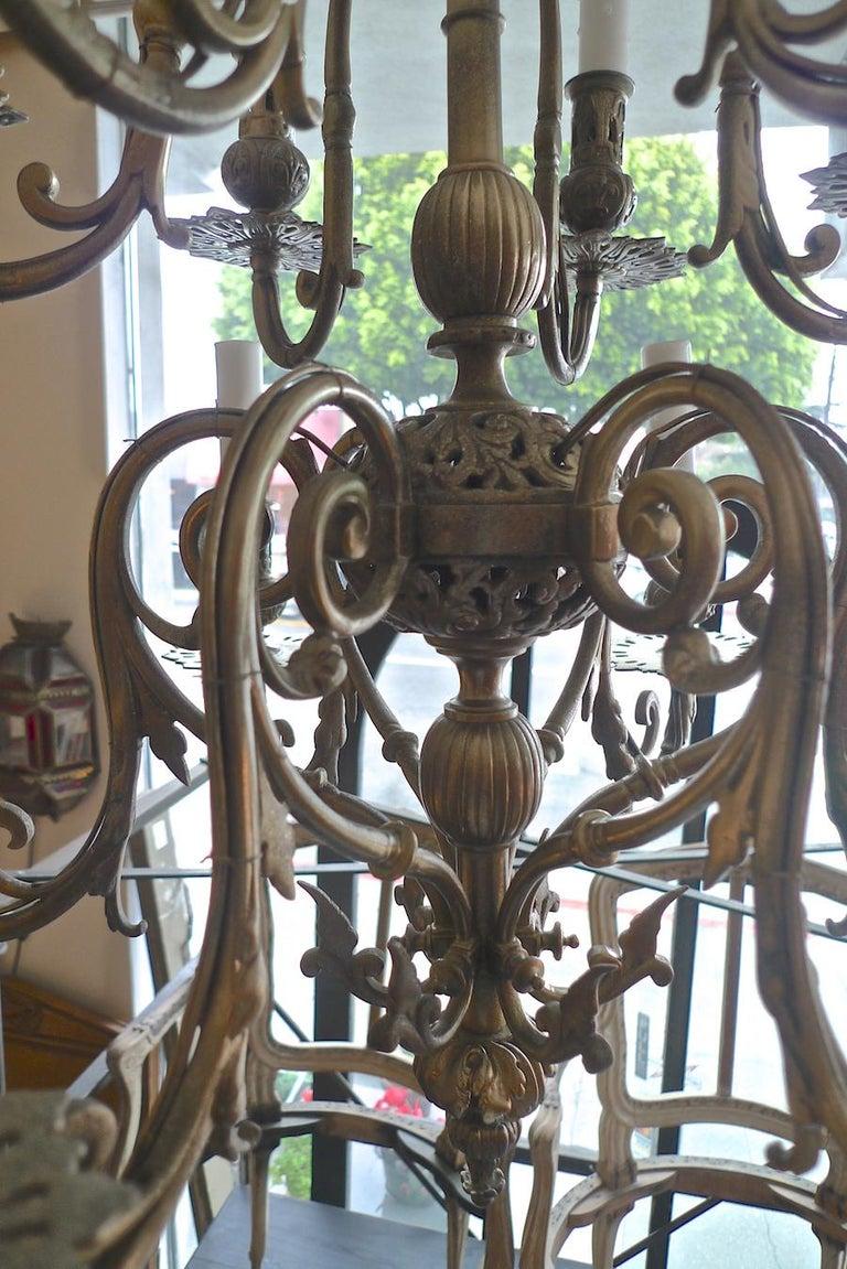 Italian 19th Century Bronze Chandelier with Twelve Lights For Sale 13