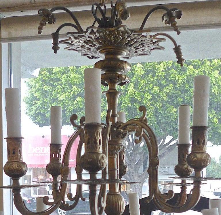 Italian 19th Century Bronze Chandelier with Twelve Lights For Sale 14
