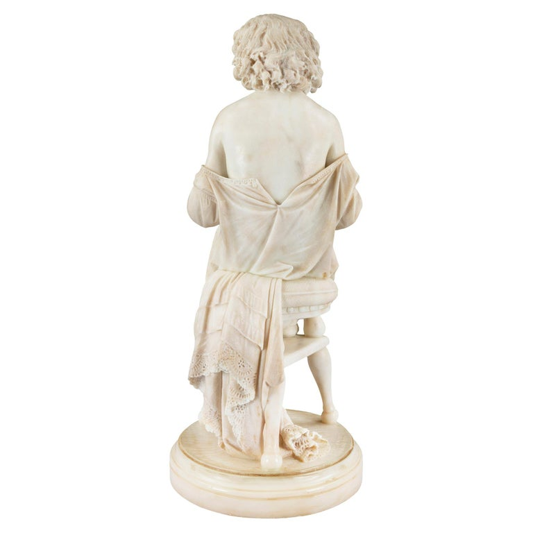 Italian 19th Century Carrara Marble Statue of a Young Girl For Sale 1