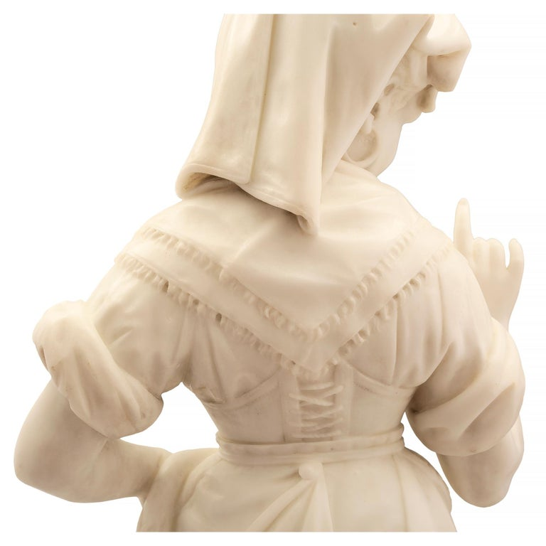 Italian 19th Century Carrara Marble Statue of a Young Girl For Sale 5