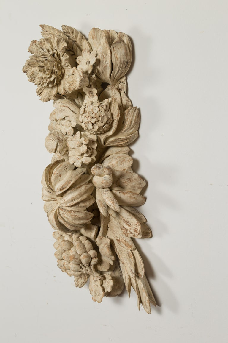 Italian 19th Century Carved and Painted Wooden Fragment with Fruits and Flowers For Sale 11