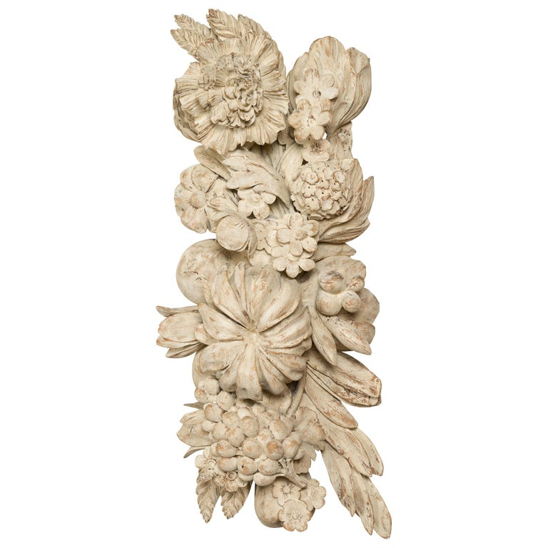 Italian 19th Century Carved and Painted Wooden Fragment with Fruits and Flowers For Sale