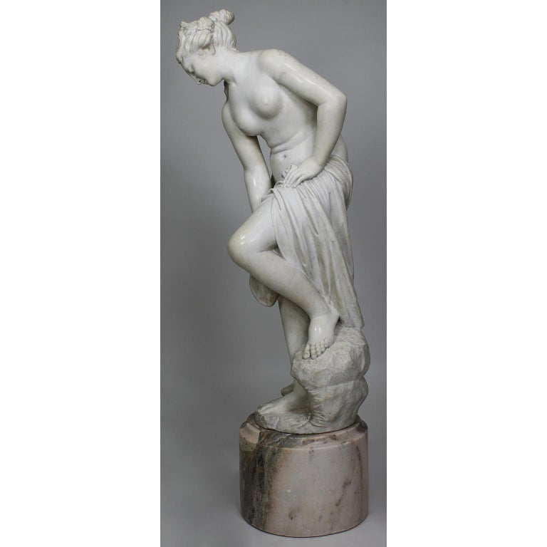Greco Roman Italian 19th Century Carved White Marble Figure of the Bather or Bathing Venus For Sale