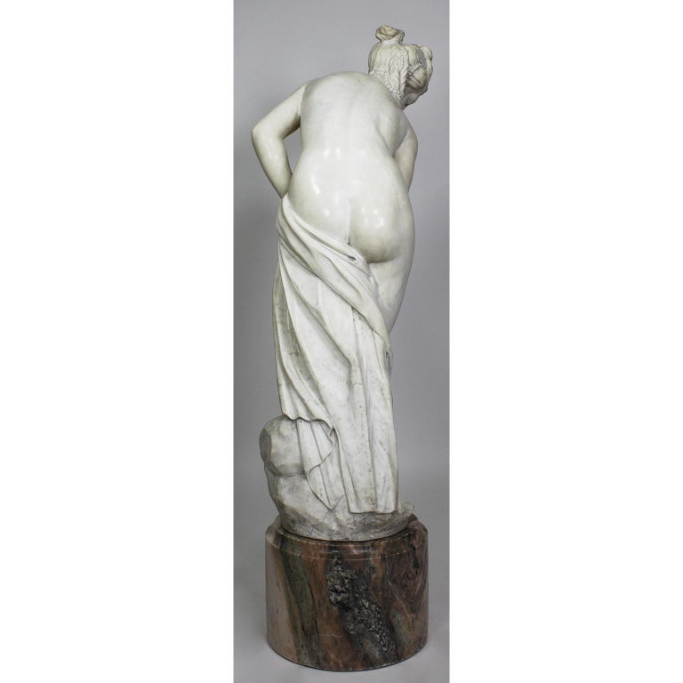 Hand-Carved Italian 19th Century Carved White Marble Figure of the Bather or Bathing Venus For Sale