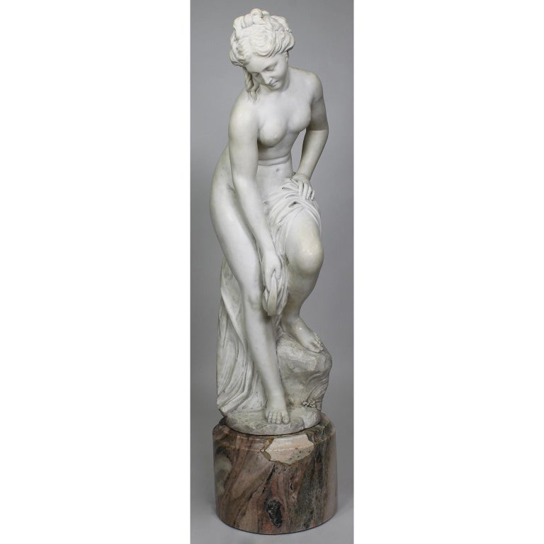 Italian 19th Century Carved White Marble Figure of the Bather or Bathing Venus For Sale 2