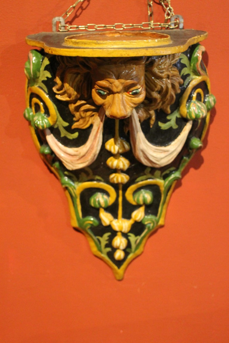 Italian 19th Century Hand Carved and Lacquer Wood Wall Brackets with Lion Heads For Sale 2