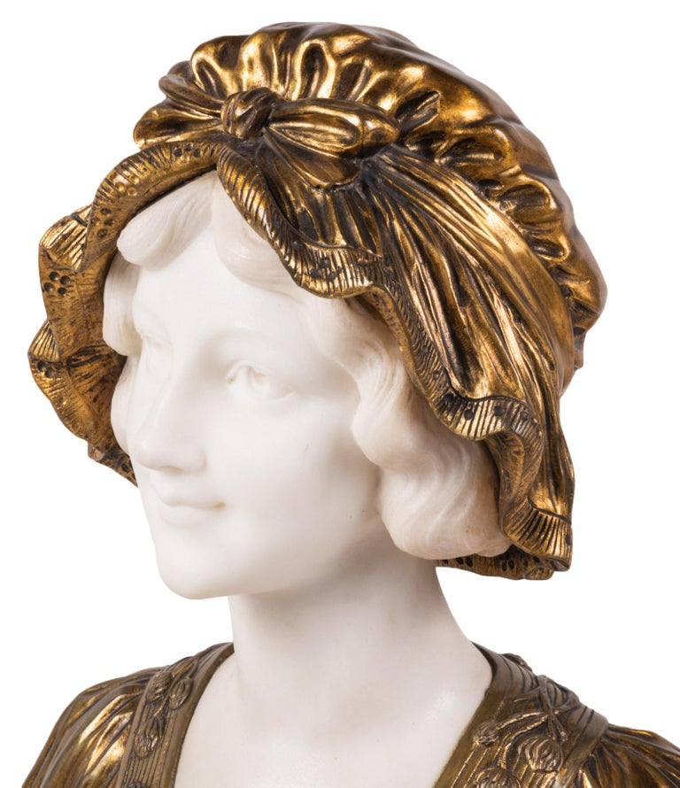 Italian 19th Century Marble and Bronze Bust of a Lady in a Bonnet, circa 1880 For Sale 2