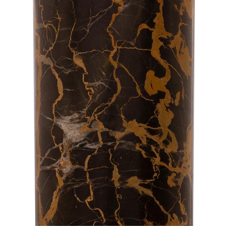 Italian 19th Century Neoclassical Style Carrara and Portoro Marble Pedestal For Sale 3