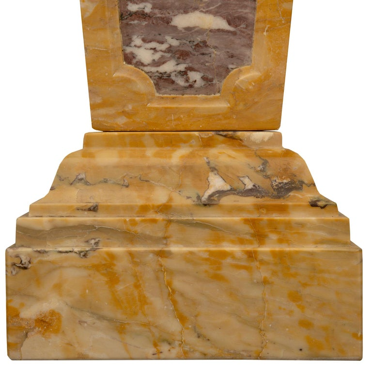 Italian 19th Century Neoclassical Style Marble Pedestal Column For Sale 3