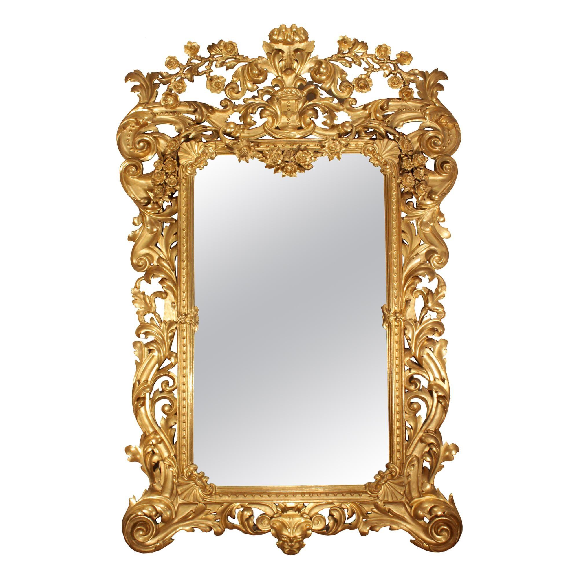 Italian 19th Century Rococo Style Giltwood Mirror