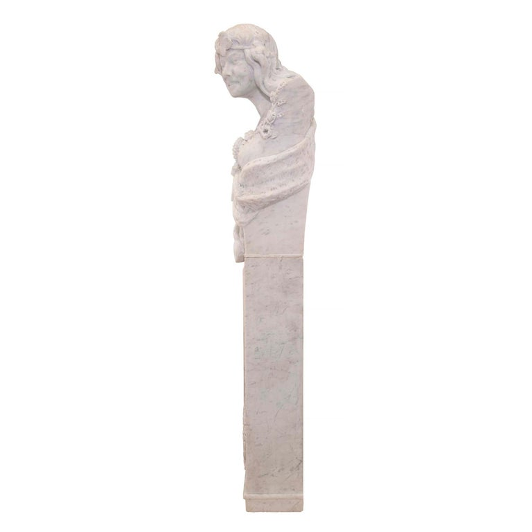 Italian 19th Century White Carrara Marble Freestanding Statue of a Garden Maiden For Sale 1