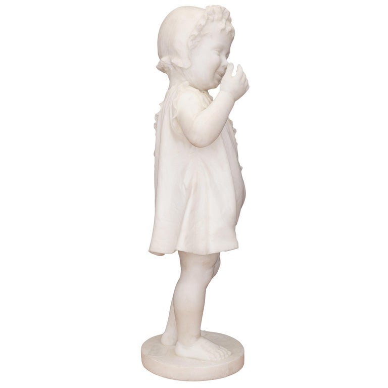 Italian 19th Century White Carrara Marble Statue of a Young Girl In Good Condition For Sale In West Palm Beach, FL