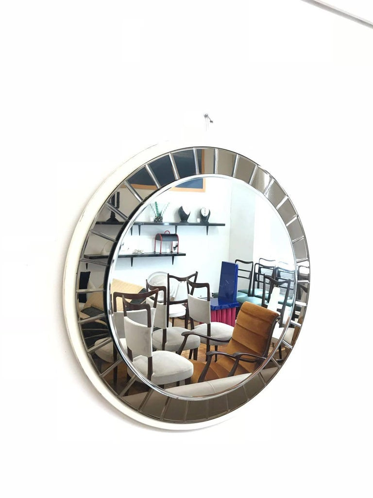 Mid-Century Modern Italian 20th Century round Mirror by Cristal Art, circa 1960s For Sale
