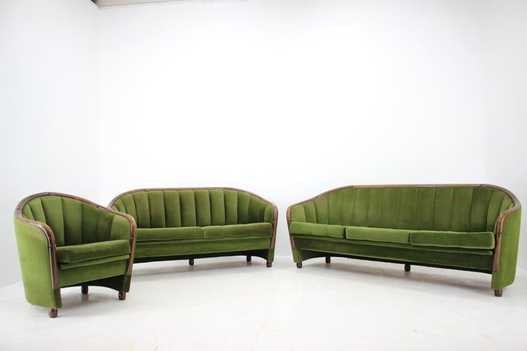 - Made in Italy - Made of wood - Original upholstery - Suitable for renovation upholstery - The furniture is from the smoking lounge.