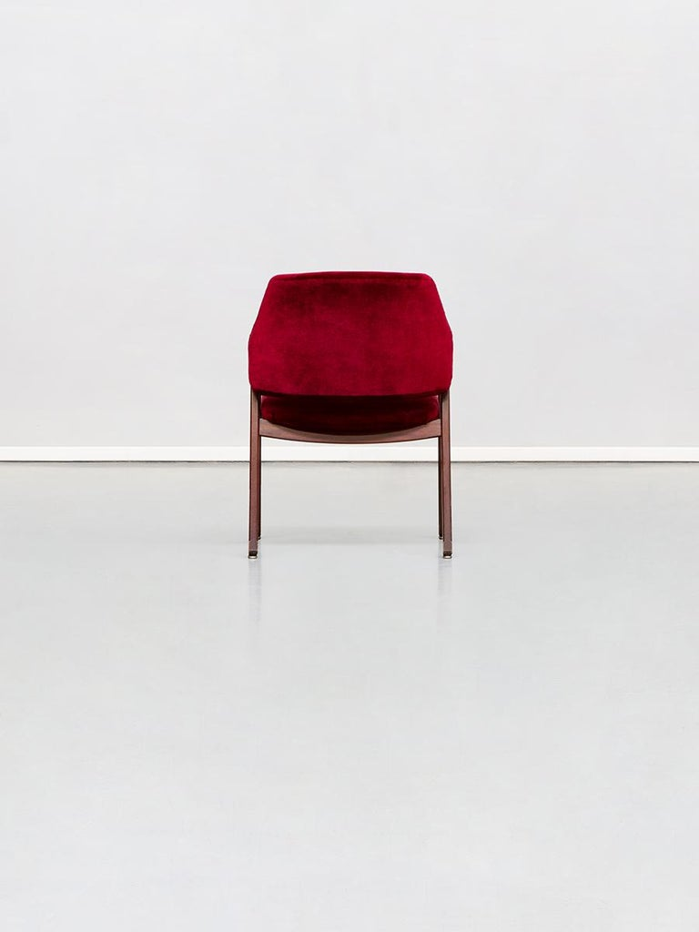 Italian 814 Beech and Velvet Armchair by Ico and Luisa Pairisi for Cassina, 1961 In Excellent Condition For Sale In MIlano, IT