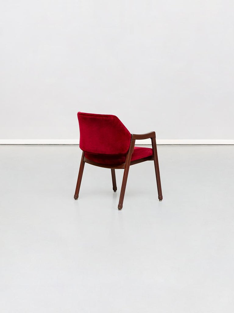 Mid-20th Century Italian 814 Beech and Velvet Armchair by Ico and Luisa Pairisi for Cassina, 1961 For Sale