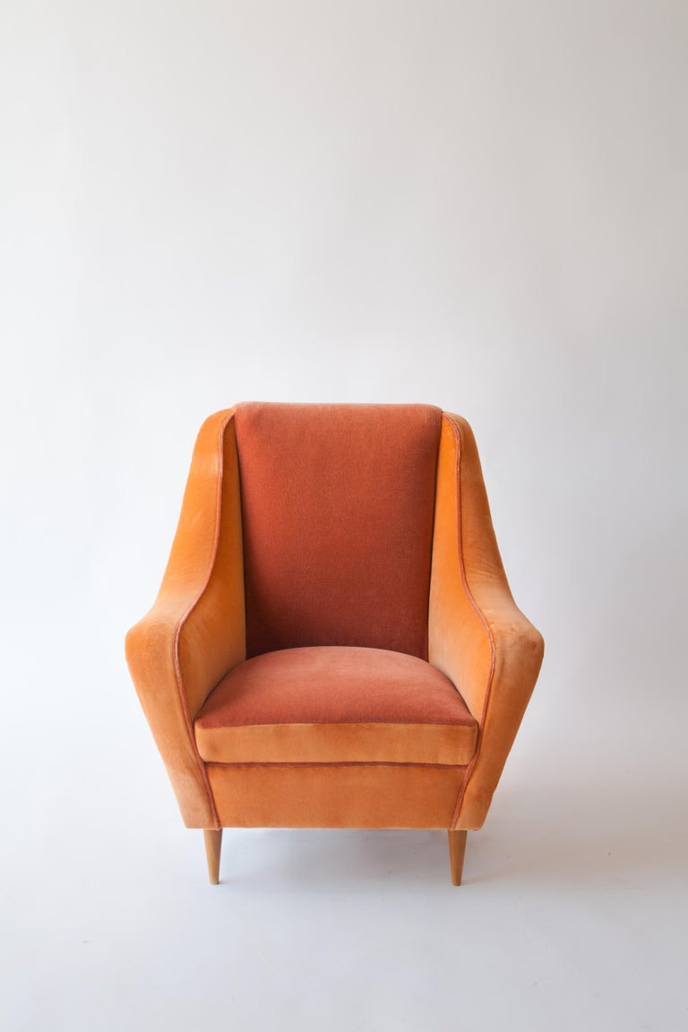 Mid-Century Modern Italian Armchairs Attributed to Carlo di Carli For Sale