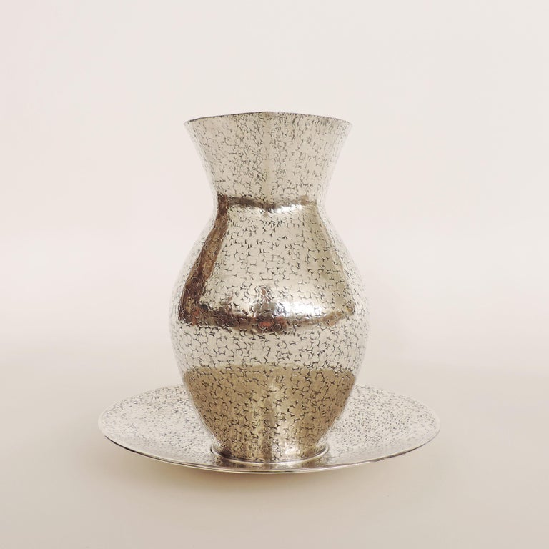 Italian Art Deco 1940s Hammered Silver Jug and Plate Attributed to Gio Ponti 4