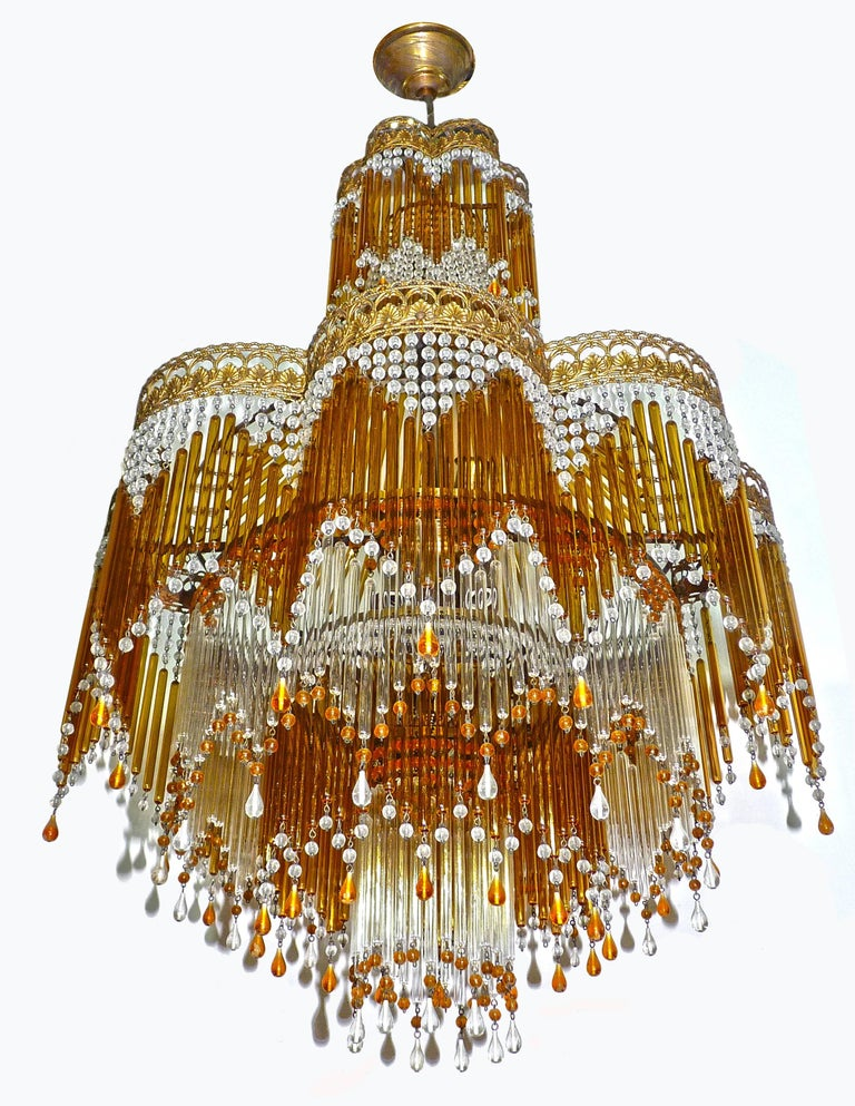 Italian Art Deco & Art Nouveau Style Amber Beaded Glass Fringe Murano Chandelier In Excellent Condition For Sale In Coimbra, PT