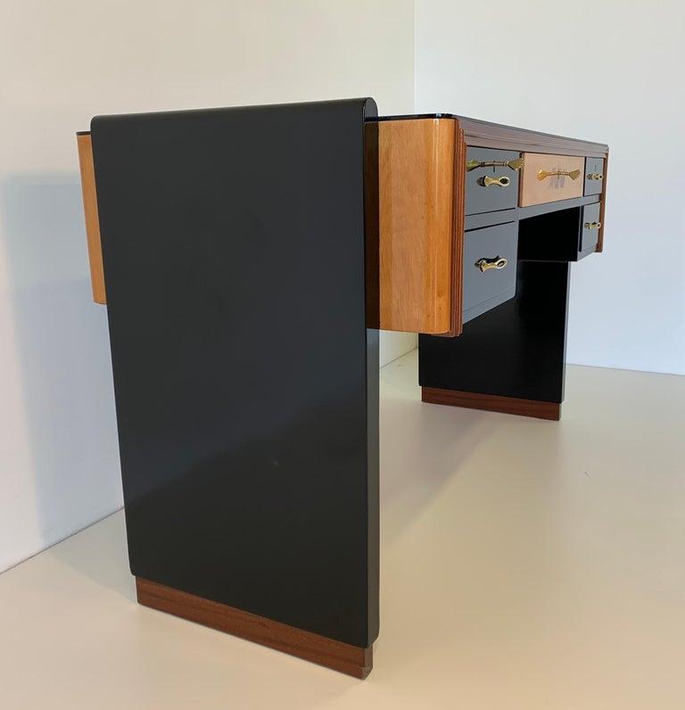 Mid-20th Century Italian Art Deco Black and Maple Desk by 'Permanente mobili Cantù', 1940s For Sale