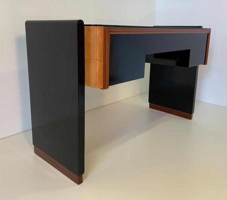 Italian Art Deco Black and Maple Desk by 'Permanente mobili Cantù', 1940s For Sale 2
