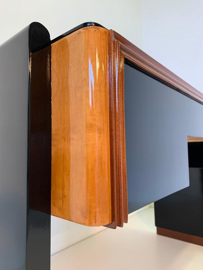 Italian Art Deco Black and Maple Desk by 'Permanente mobili Cantù', 1940s For Sale 3