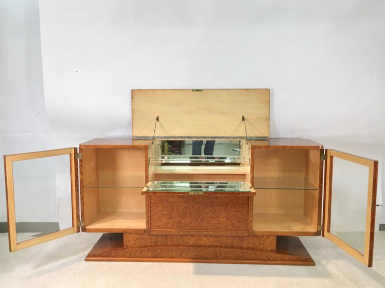 Italian Art Deco Burl Walnut Bar Cabinet Sideboard For Sale 8