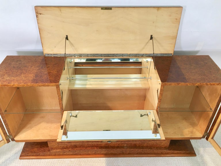 Italian Art Deco Burl Walnut Bar Cabinet Sideboard For Sale 9