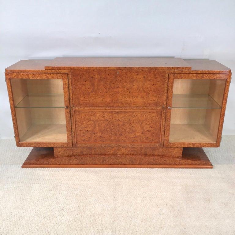 Italian Art Deco Burl Walnut Bar Cabinet Sideboard In Good Condition For Sale In Hingham, MA