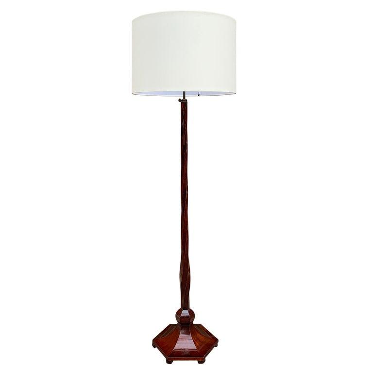 Italian Art Deco Floor Lamp In Good Condition For Sale In Chicago, IL