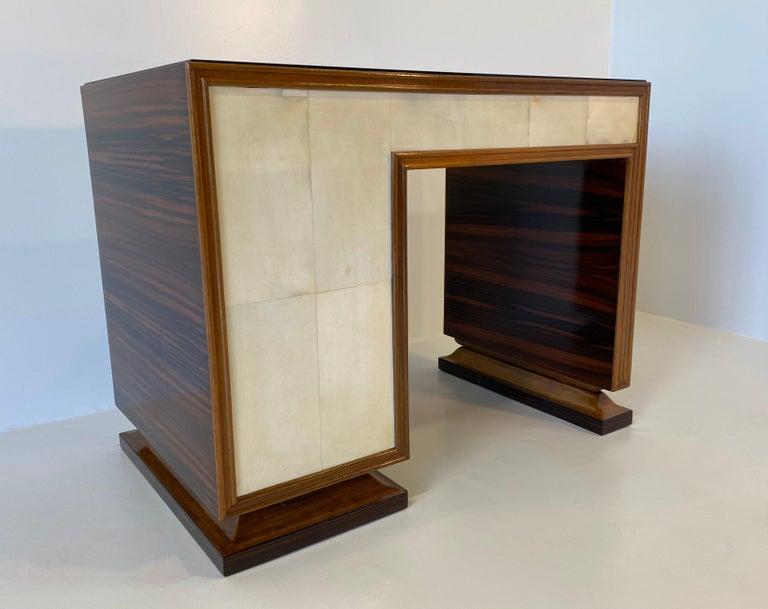 Italian Art Deco Macassar, Parchment and Black Opaline Desk, 1940s For Sale 6