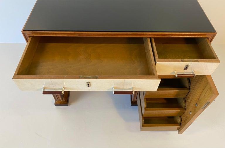 Italian Art Deco Macassar, Parchment and Black Opaline Desk, 1940s For Sale 8