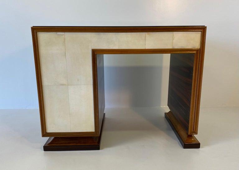Italian Art Deco Macassar, Parchment and Black Opaline Desk, 1940s For Sale 4