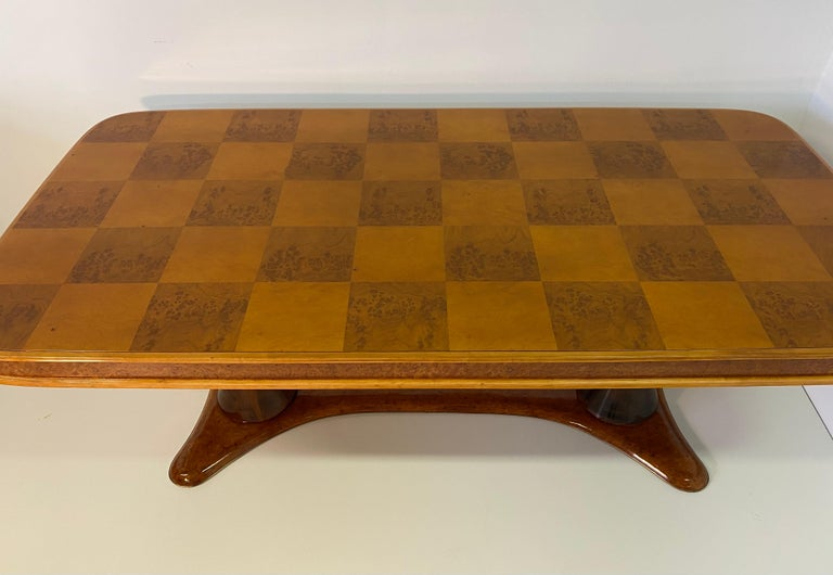 Mid-20th Century Italian Art Deco Maple Briar and Walnut Dining Table, 1940s For Sale