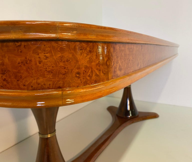 Italian Art Deco Maple Briar and Walnut Dining Table, 1940s For Sale 4