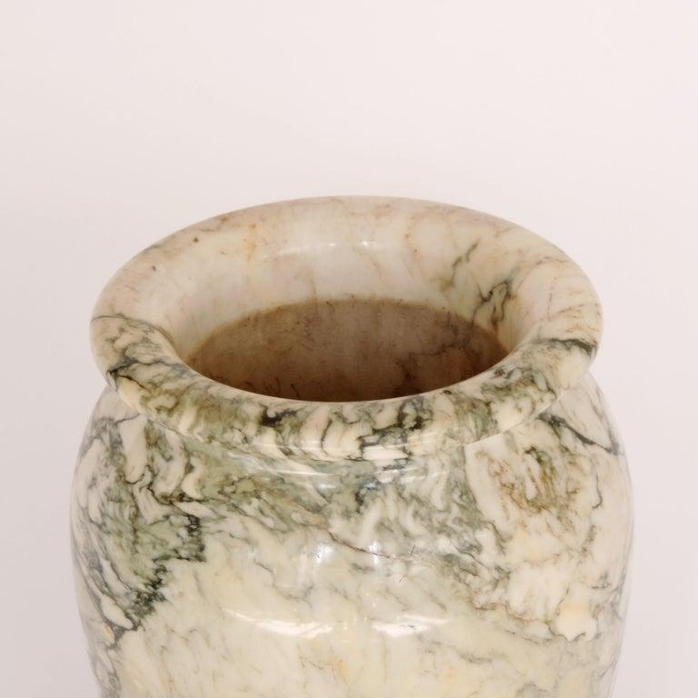 Italian Art Deco Monumental Marble Vase, Italy, 1920s For Sale 1