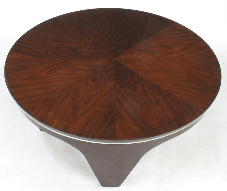 Italian Art Deco Revival Round Mahogany Coffee Table with Parquetry Top For Sale 1