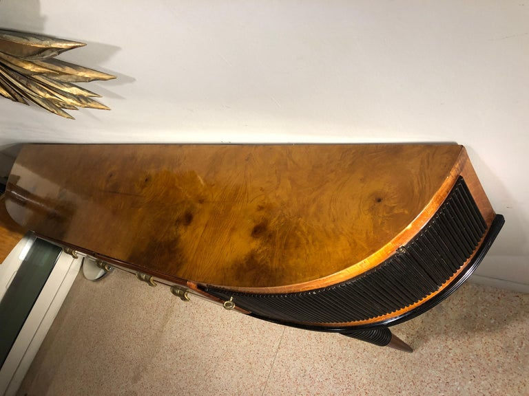 Italian Art Deco Rosewood Console Table Credenza with Black and Brass Details For Sale 7