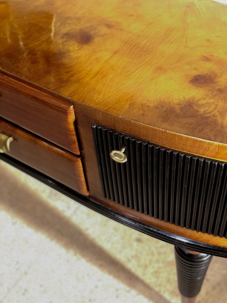 Italian Art Deco Rosewood Console Table Credenza with Black and Brass Details For Sale 9