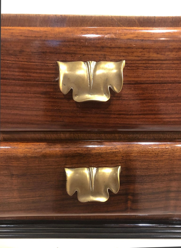 Italian Art Deco Rosewood Console Table Credenza with Black and Brass Details For Sale 4