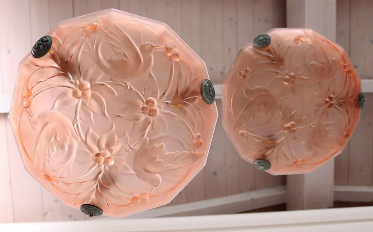 Italian Art Deco Sculptured Glass and Chrome Chandelier in Pink, 1940s For Sale 6